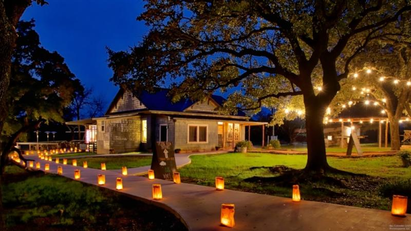 lighted walking path to the William Chris winery tasting room in Fredericksburg Texas