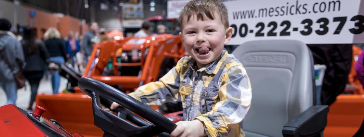 pennsylvania-farm-show-tractors-kids