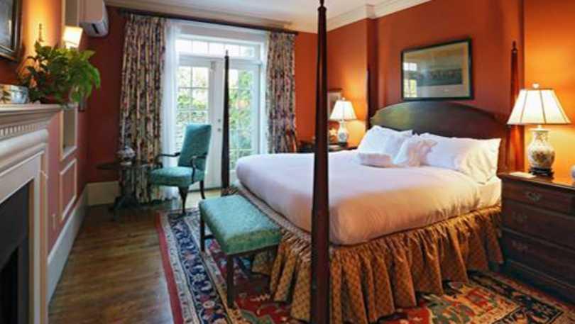 francis malbone guest room.jpg