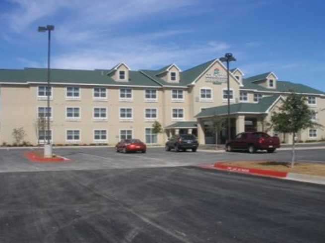 Country Inn & Suites, Front