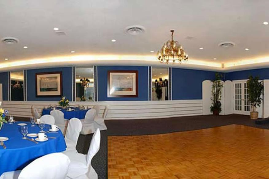 event space of lighthouse point yacht & racquet club