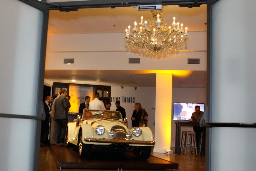 Gallery with Cars