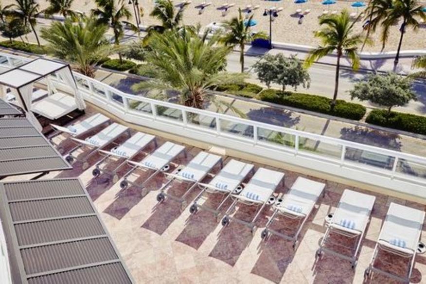BalQony Lounge Ocean View 2