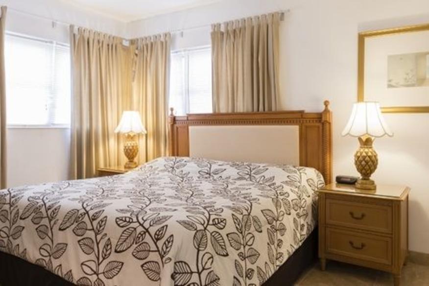 One Bedroom apt-Bedroom