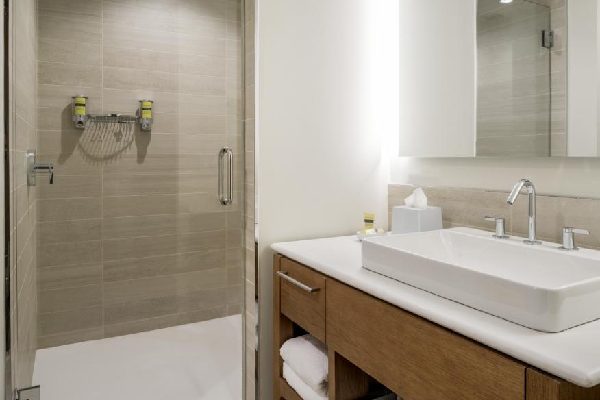 The Element Fort Lauderdale guest bath