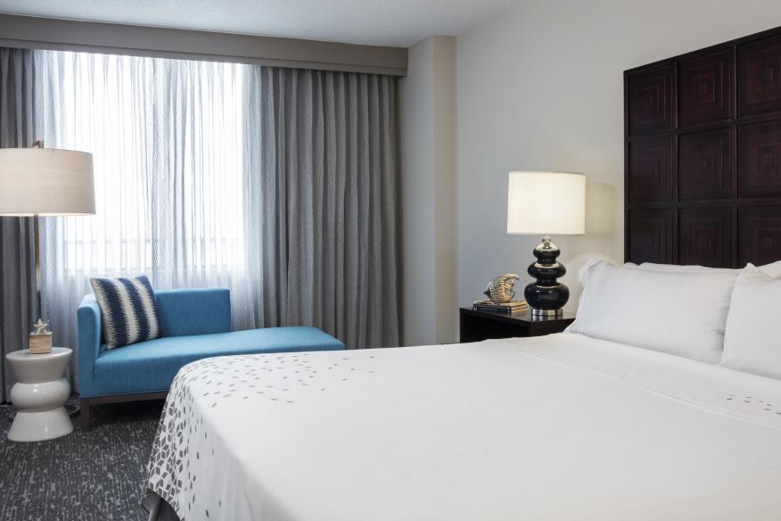 One-bedroom Suite, King Bedroom