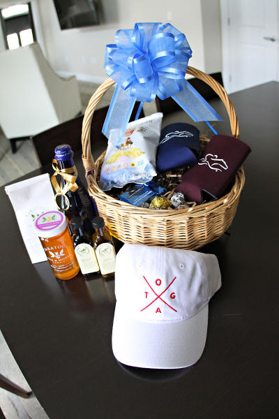 Saratoga themed gift basket portrait