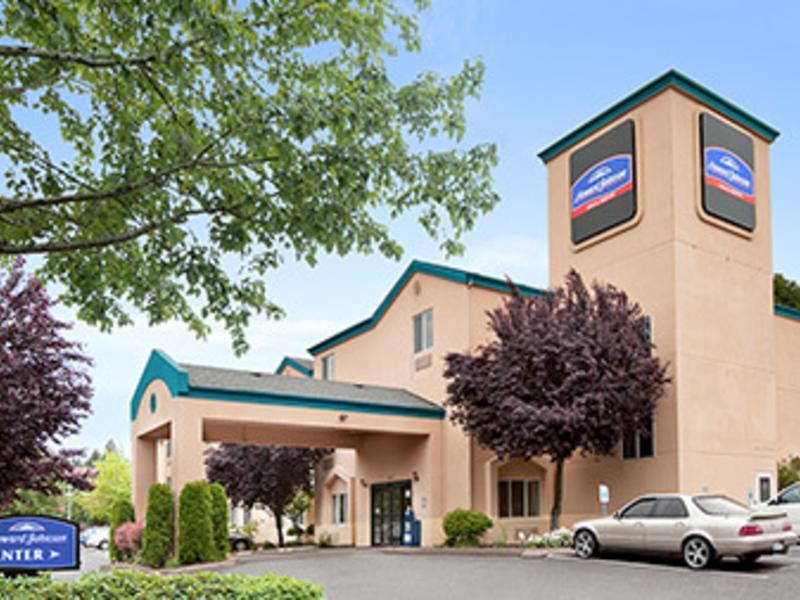 Howard Johnson Inn & Suites