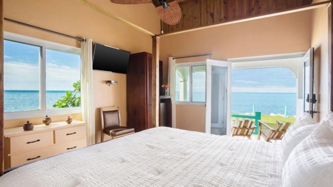Luna Sea Inn