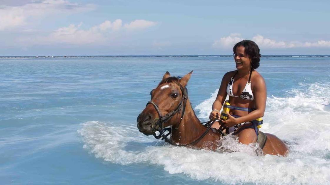 Horseback-Ride--Swim-3