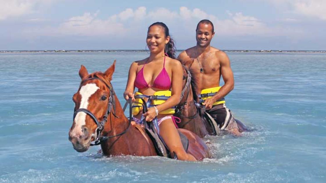Horseback-Ride-Swim-4