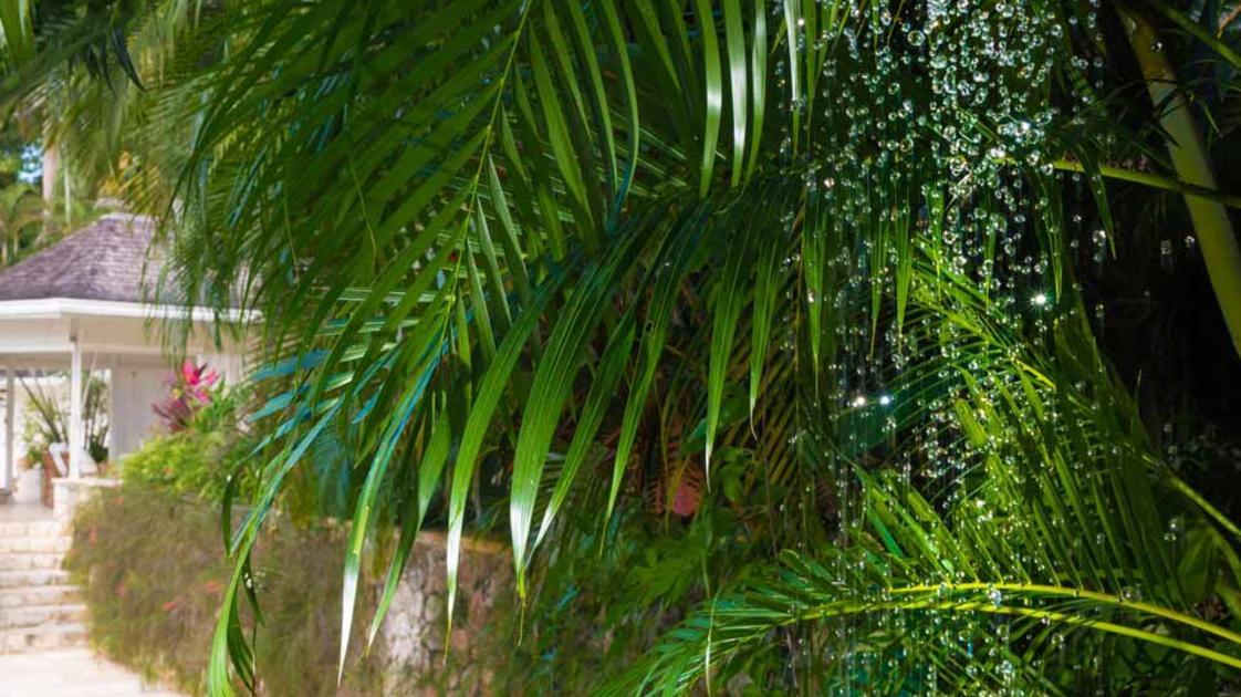 Villa-9-Pool-Shower