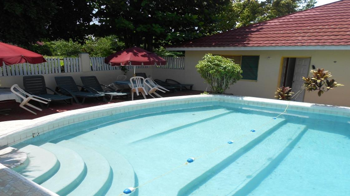 VillaLaCage Pool