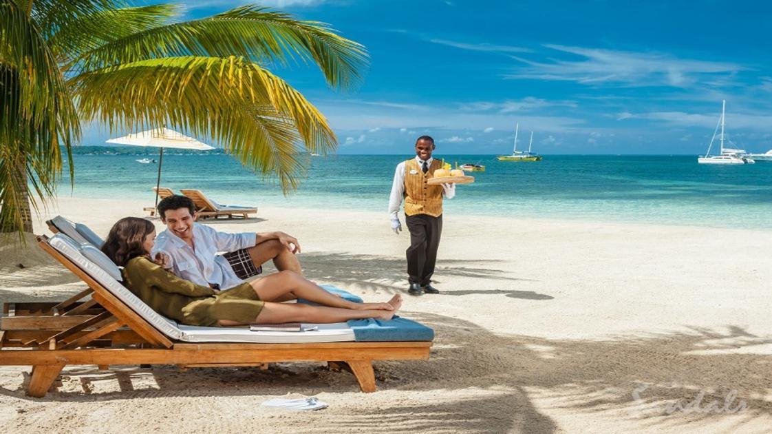 couple on beach-gallery