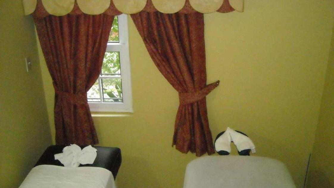indoor-massage-area