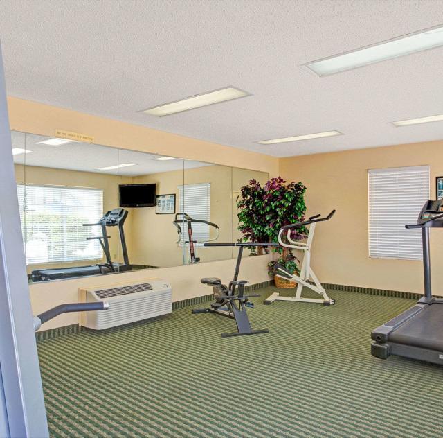 Baymont Inn & Suites Fitness Room