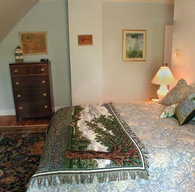 Morning Glory Inn Bluebonnet Room