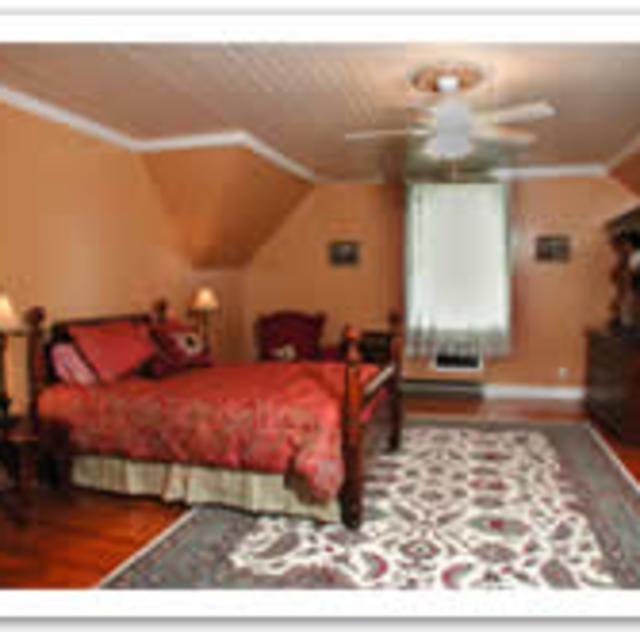 Morning Glory Inn Sunflower Room