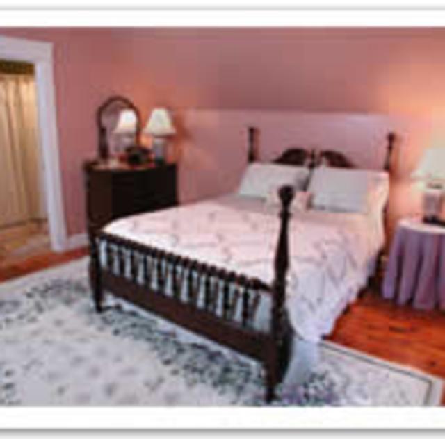 Morning Glory Inn Wisteria Room