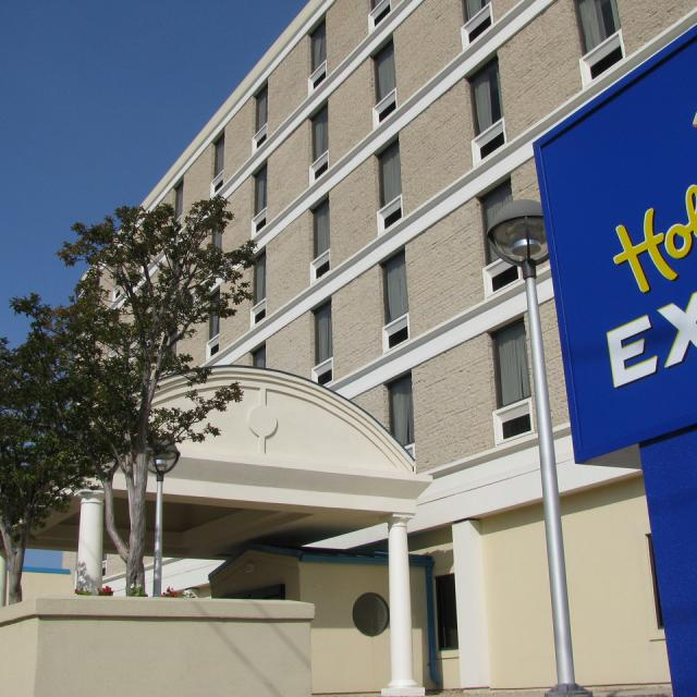 Holiday Inn Express Downtown Building