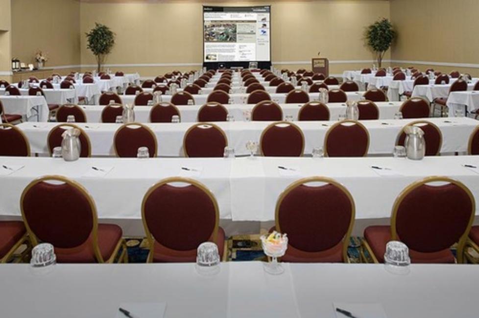 11,000+ sqft of Flexible Meeting Space