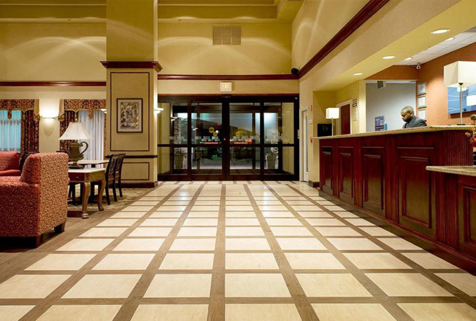 Holiday Inn Express Hotel & Suites - DFW Airport South - Lobby 2