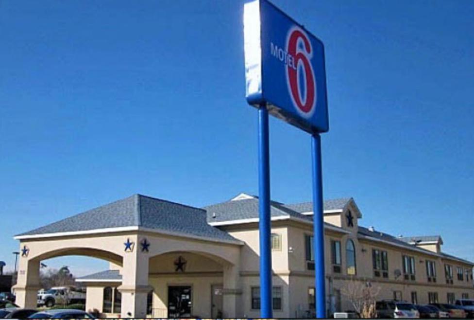 Motel 6 - DFW Airport South - Exterior