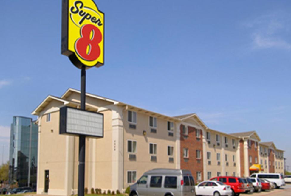 Super 8 Motel - DFW South - Exterior