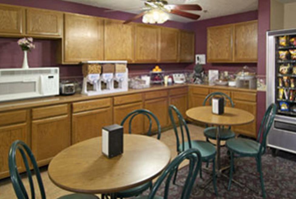 Super 8 Motel - DFW South - cafe