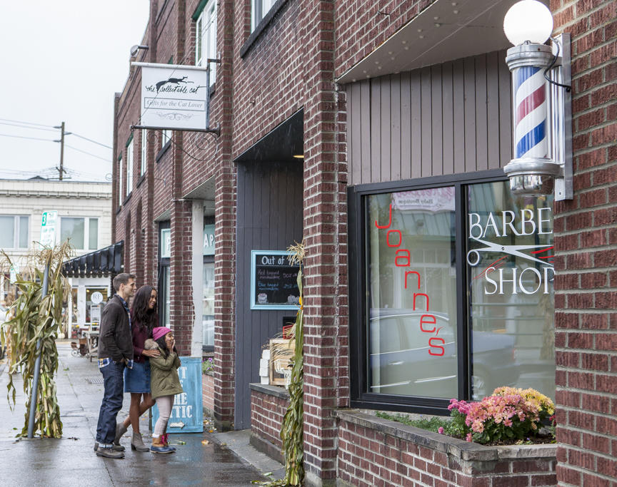 Shopping in downtown Sumner