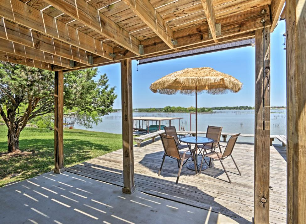 Lakefront living will be yours at this vacation rental house in Granbury!