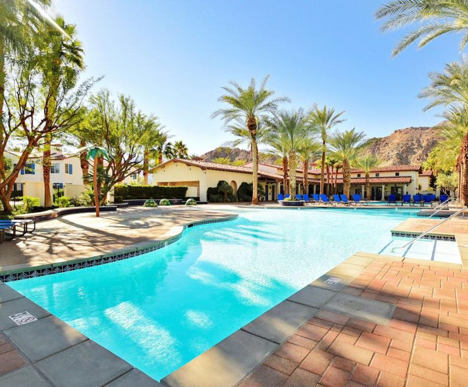 Legacy Villas pool