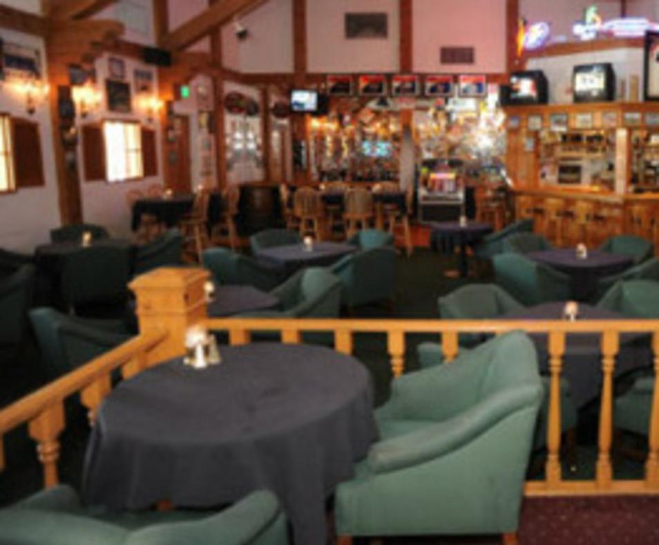 Charlie's Pub & Grill