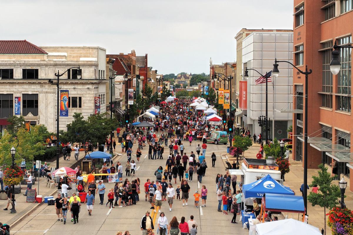 Downtown Racine annual outdoor street festival