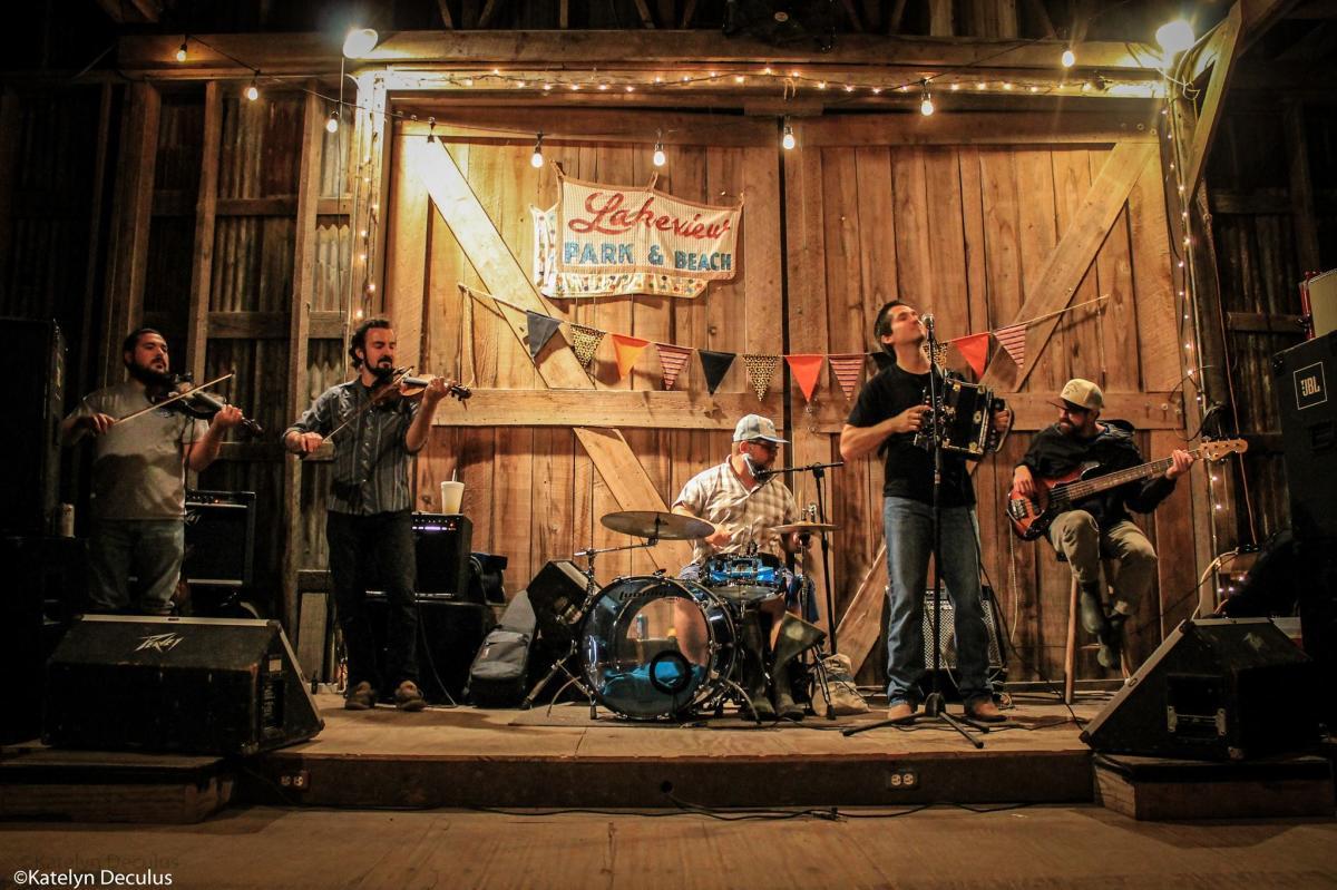 Kyle Huval & The Dixie Club Ramblers