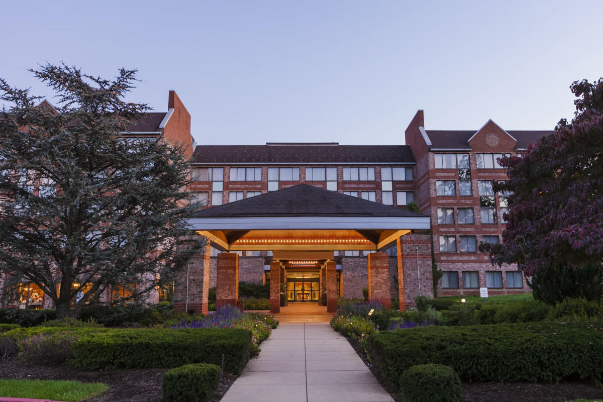 Embassy Suites Valley Forge Exterior