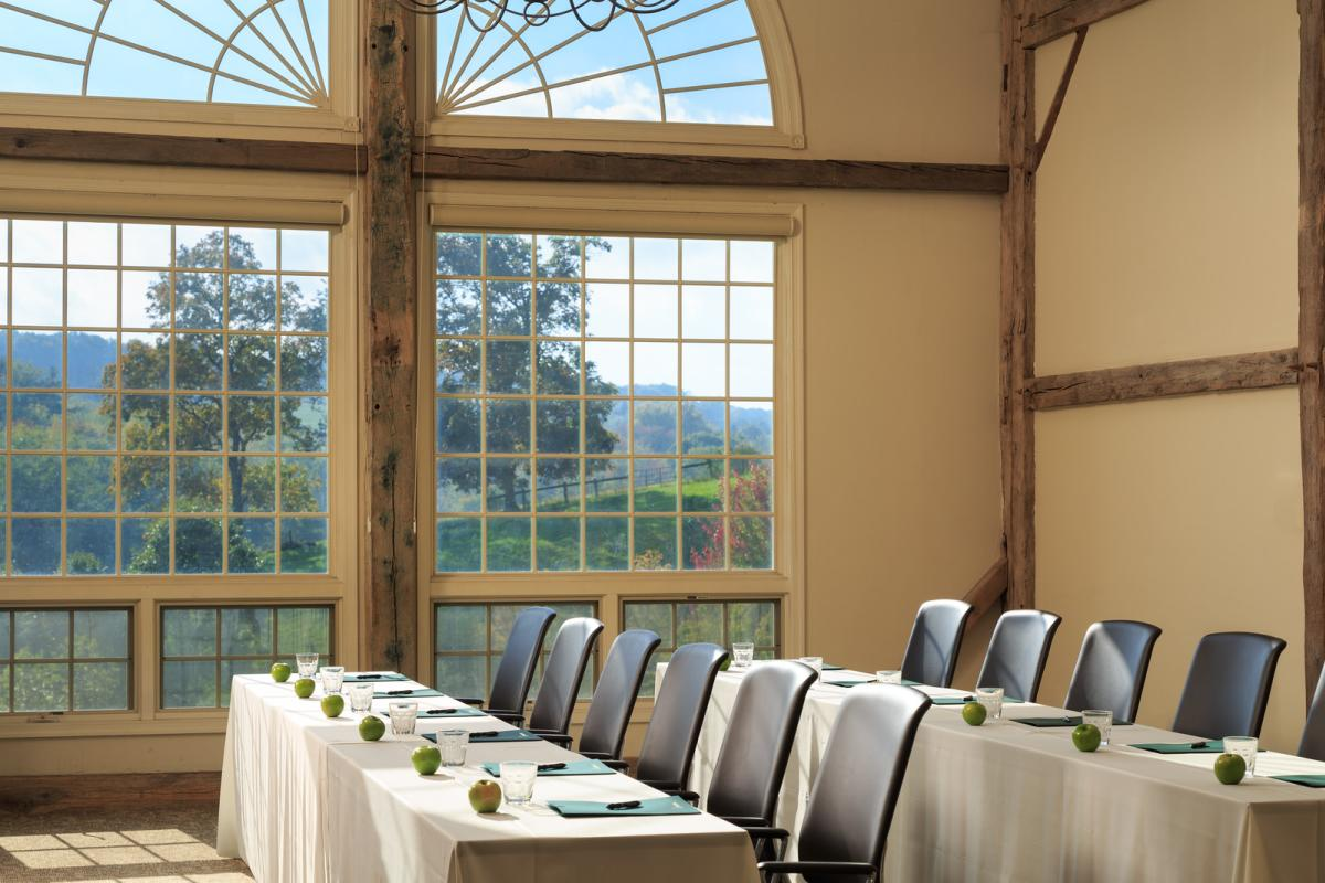 Glasbern Inn Meeting Space 01 - Discover Lehigh Valley - Jumping Rocks Photography