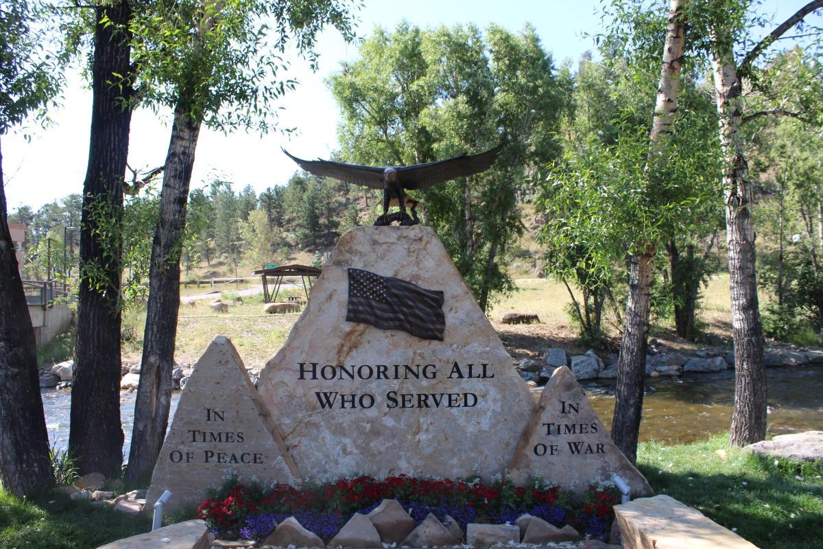 Statue Veterans Monument
