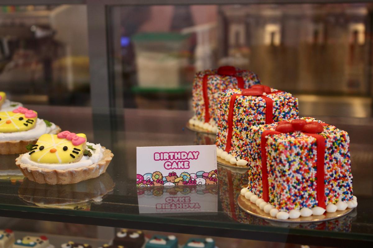 Birthday cake at Hello Kitty Cafe