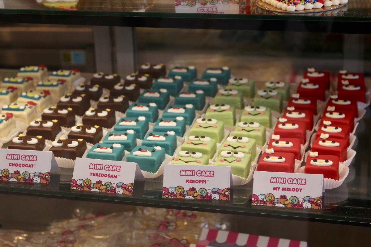 Mini cakes at Hello Kitty Cafe