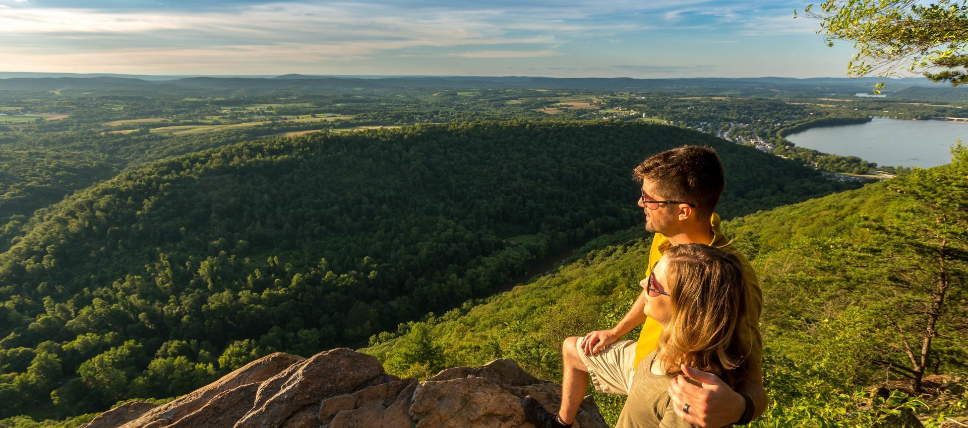 appalachian-trail-hiking-hawk-rock-peters-mountain