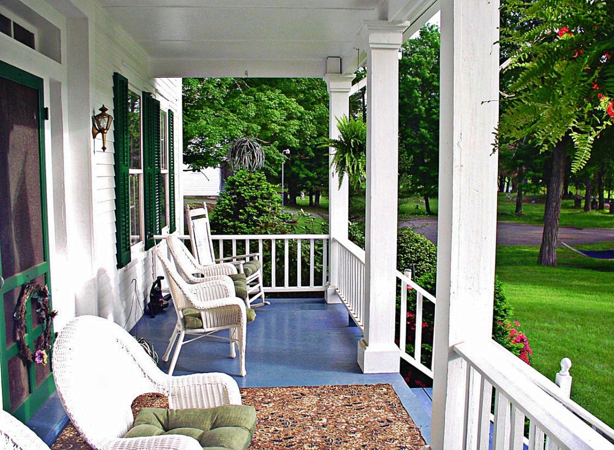 Roebling Inn Bed & Breakfast in the Pocono Mountains