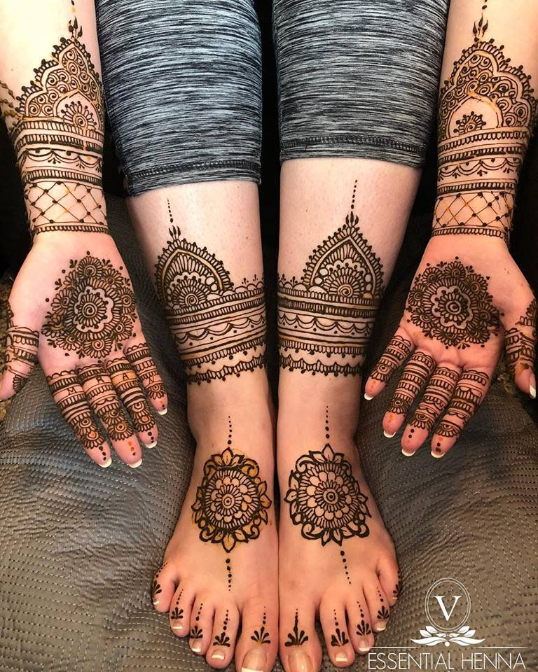 Mehndi hands and feet