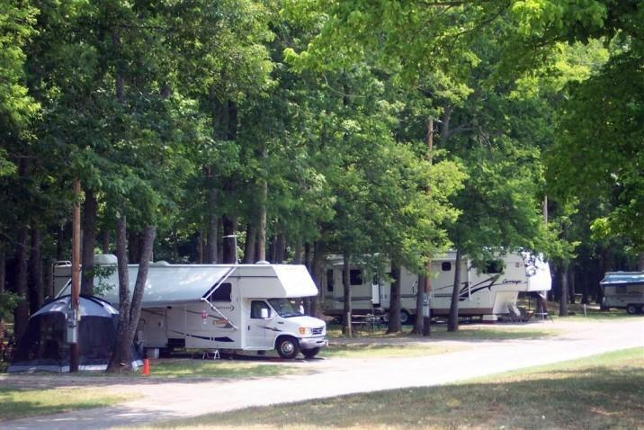 Redstone Arsenal MWR RV PARK (Military Camping Only)