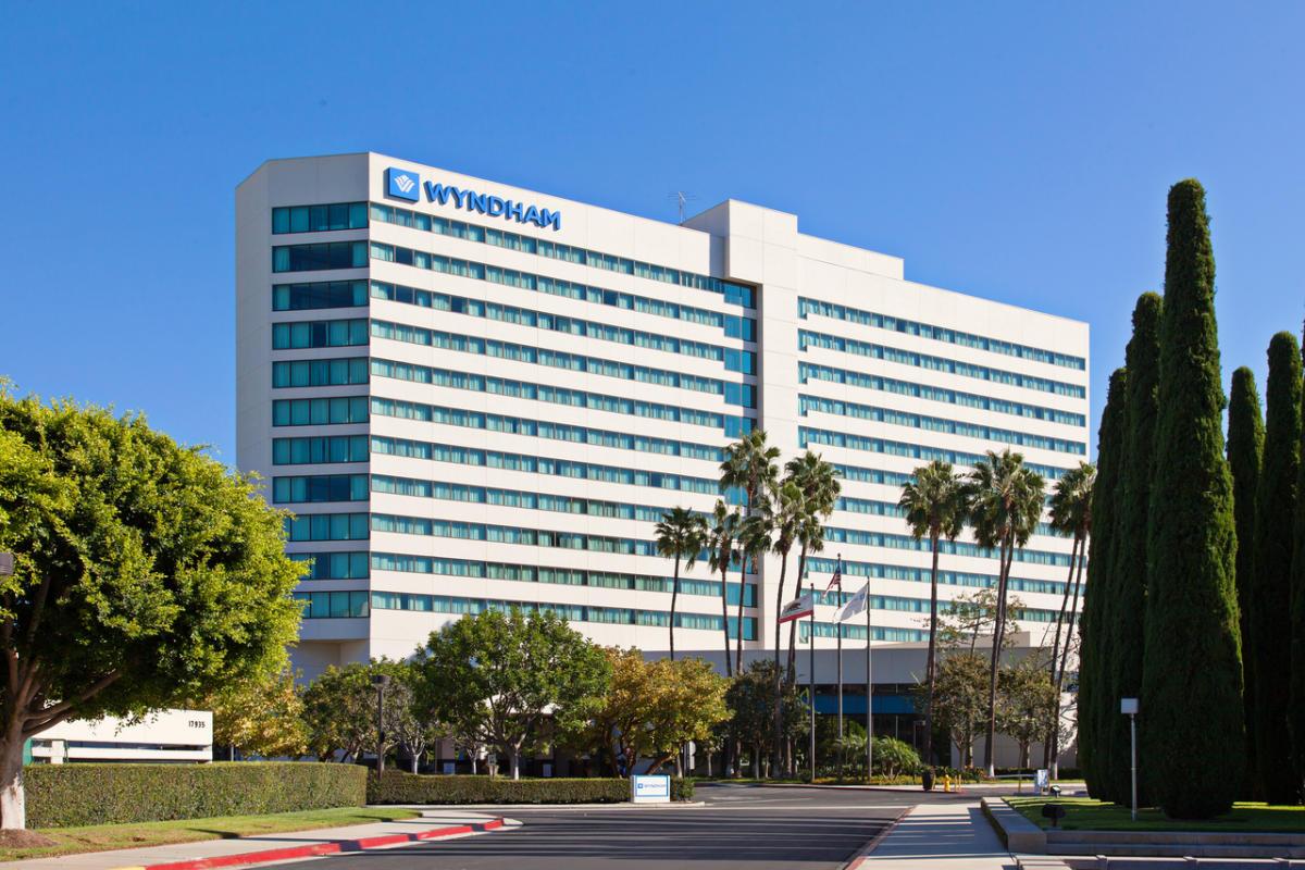 Irvine Auto Center >> Wyndham Hotel Irvine Orange County Airport   Irvine, CA 92614