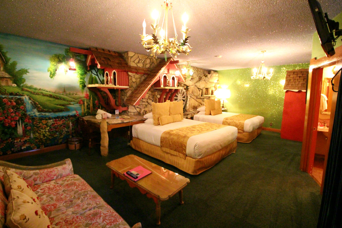 Madonna Inn   San Luis Obispo, CA 93405