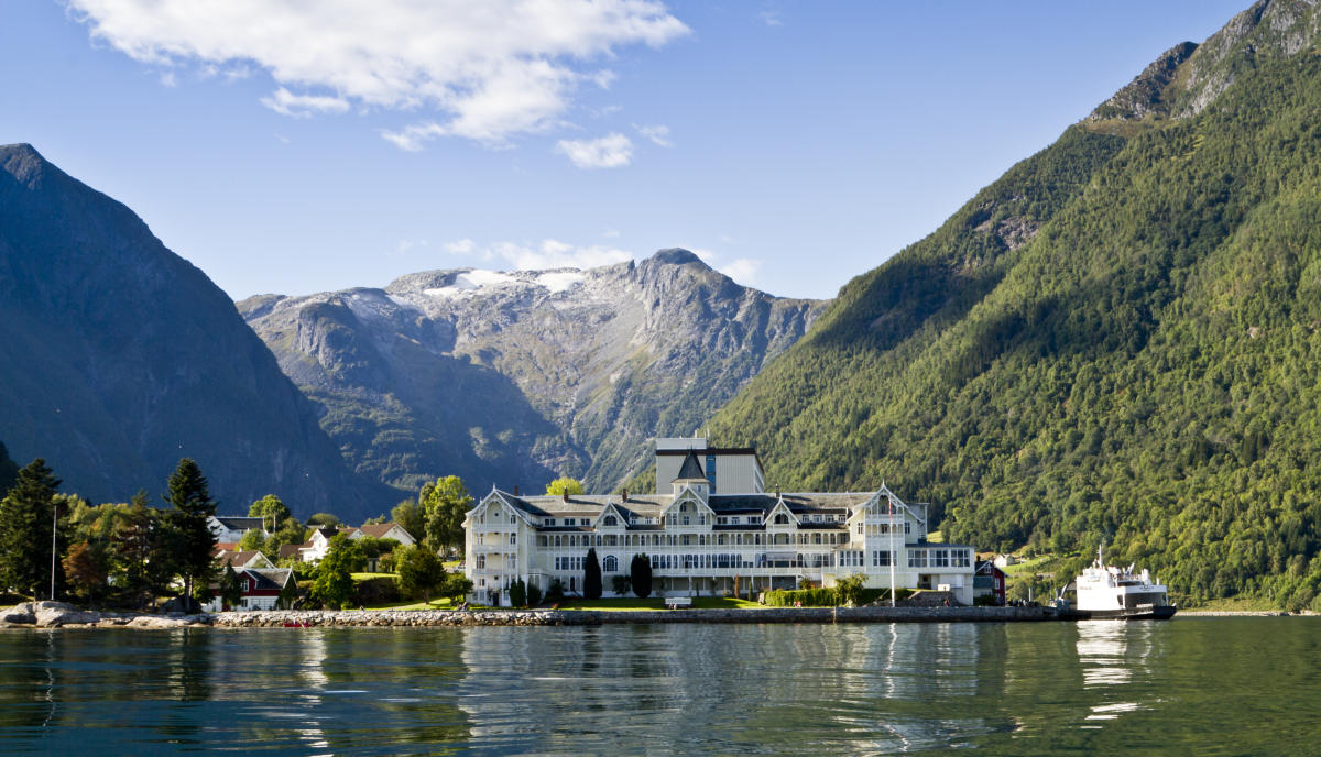 Car ferries sognefjord norway - Kviknes Hotel