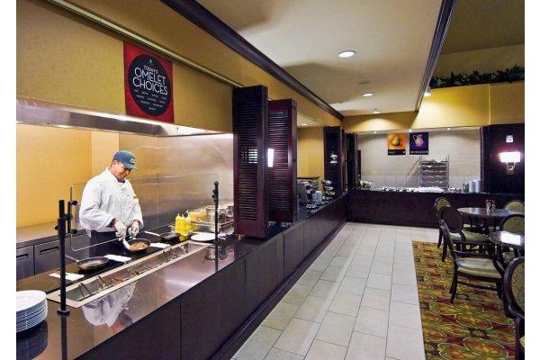 Brandon FL Hotel Embassy Suites Breakfast Area.jpg