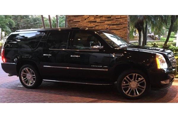 2013 Cadillac Escalade Seats 6