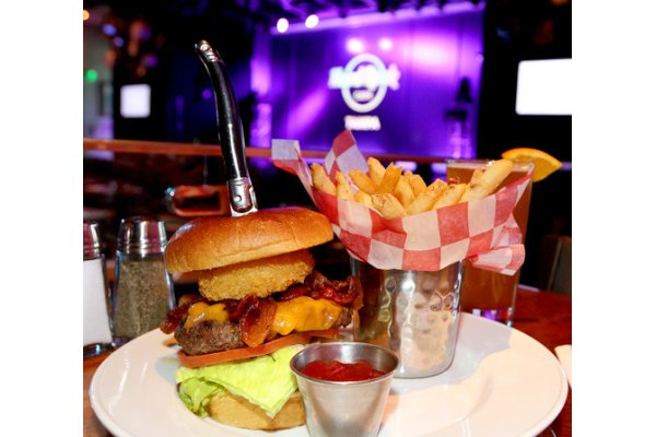 Hard Rock Cafe Legendary Burger